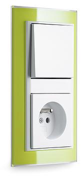Event Klar zelená/ bílá lesklá, zásuvka s dětskou ochranou a vypínač