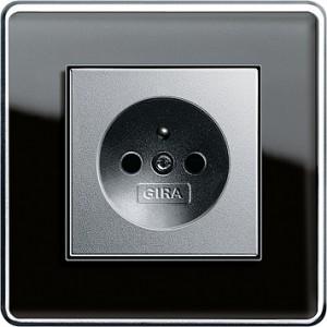 Esprit sklo C černá/ alu, zásuvka s dětskou ochranou