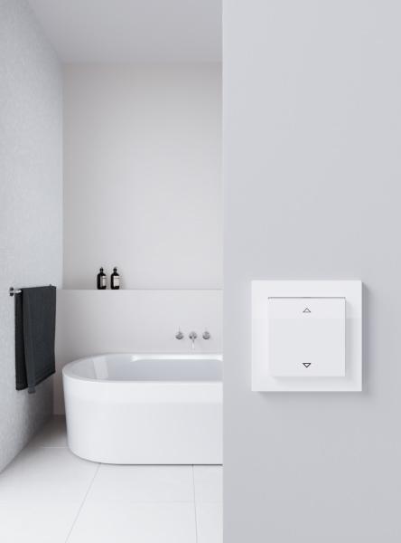 Gira-E2-Rwgl-Jalousie-Steuertaster-Standard-Galerie-444x600px_15564_1499936791